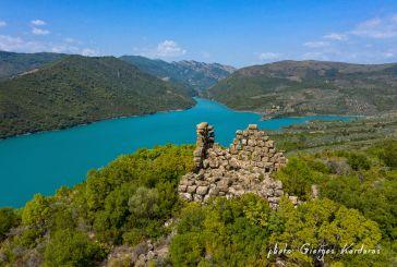 «Κουλόπυργος»: ο αρχαίος πύργος στη λίμνη Καστρακίου