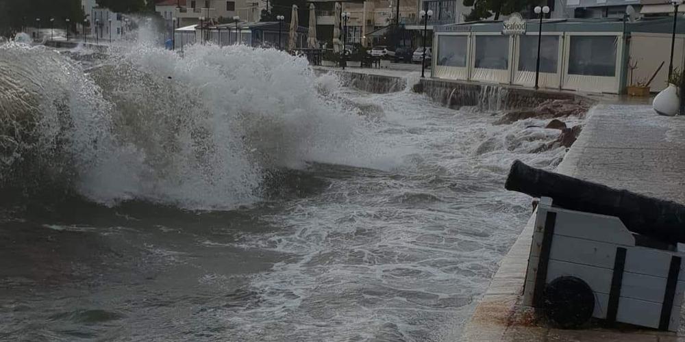 Κακοκαιρία Ιανός: Θα φτάσει τα 7 μέτρα το ύψος κύματος στη Δ. Ελλάδα