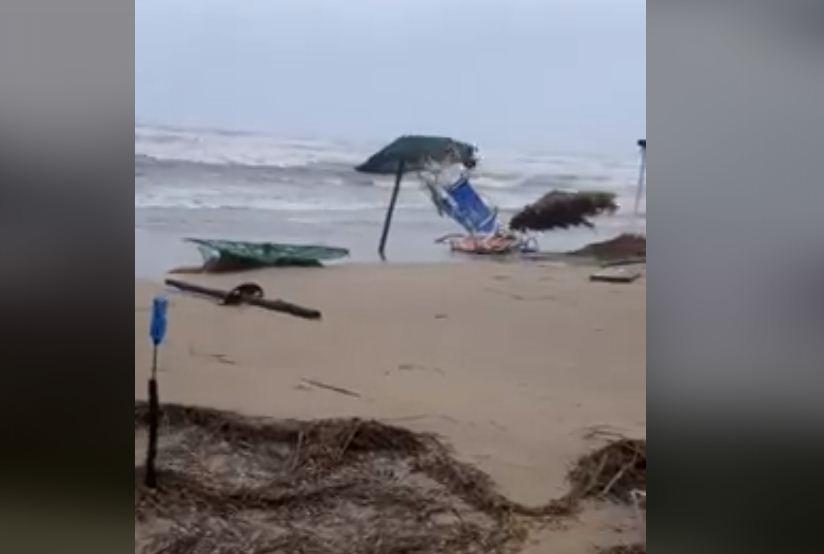«Ιανός»: Εικόνες καταστροφής στην παραλία του Λούρου από την επέλαση του κυκλώνα