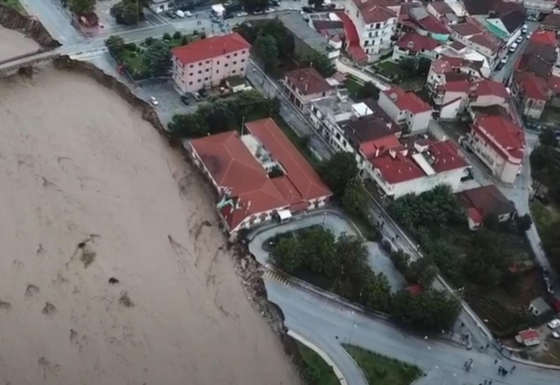 Ιανός: Αγωνία για τους αγνοούμενους στην Καρδίτσα – Νύχτα με πλημμύρες και απεγκλωβισμούς στην Κρήτη