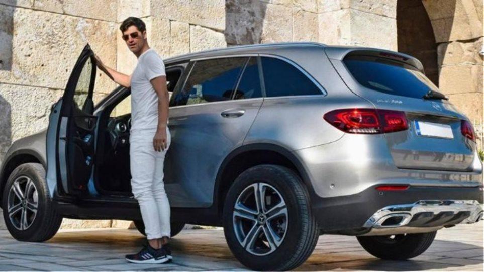 Προσωπικό «φάουλ» του Ρουβά το παρκάρισμα στο Ηρώδειο – Τι απαντά ο ίδιος