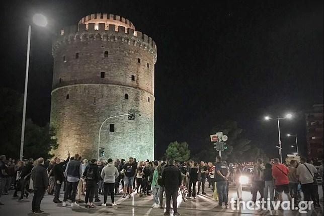 Εποχές… Παπαθεμελή στη Θεσσαλονίκη: Πρώτη συγκέντρωση καταστηματαρχών – Ζητούν διεύρυνση ωραρίου