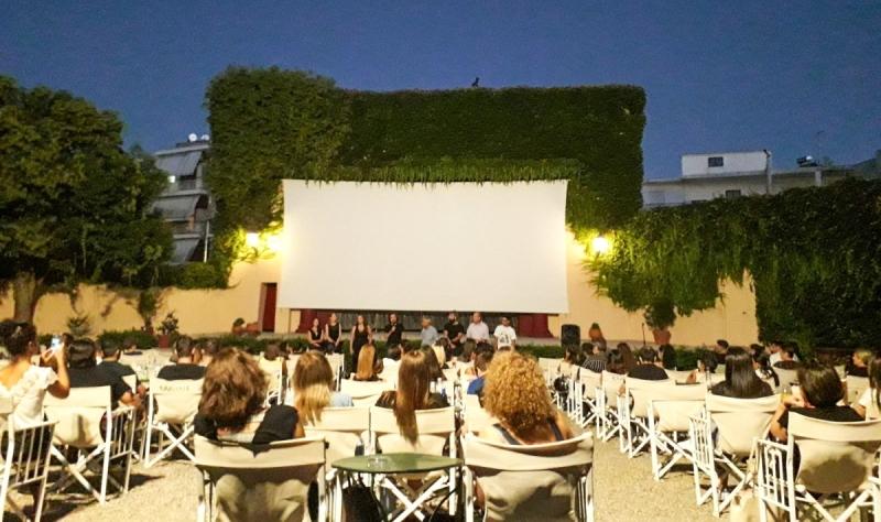 «Βρες τα φτερά σου…»: Μεγάλη συμμετοχή στην πρεμιέρα της ταινίας που γυρίστηκε στο Αγρίνιο (φωτο, βίντεο)