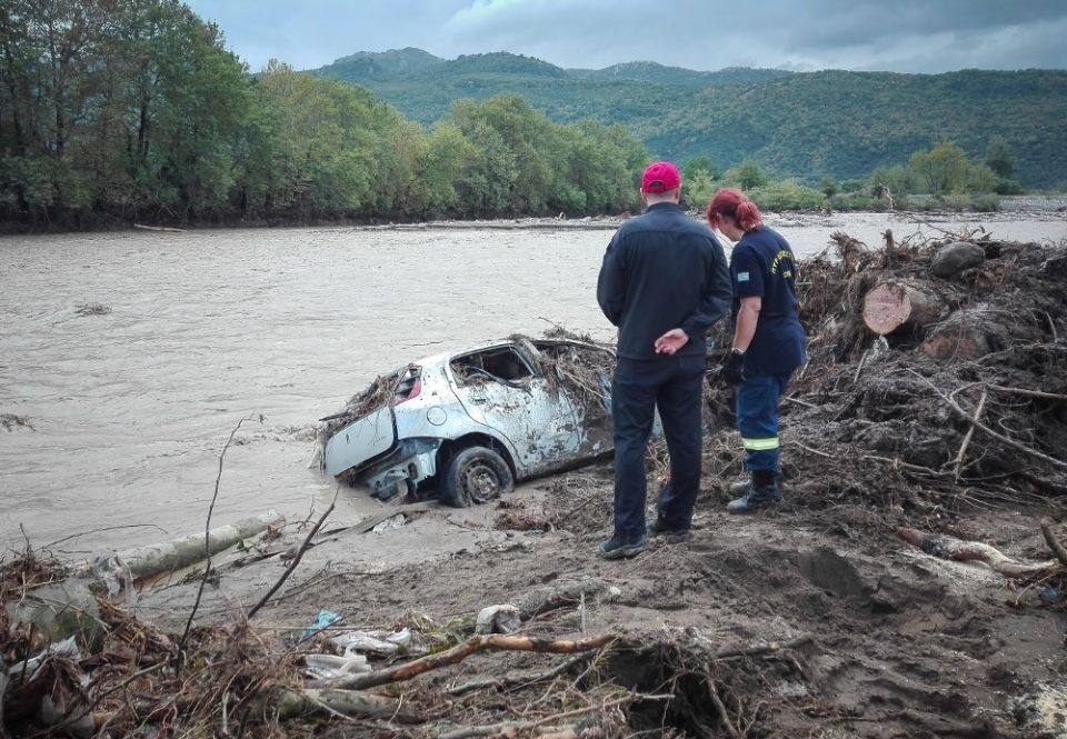 Κακοκαιρία «Ιανός»: Πληροφορίες ότι βρέθηκε πτώμα γυναίκας στην Καρδίτσα