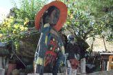 Το χωριό του Βάλτου που ο μοναδικός μόνιμος κάτοικός του το έχει γεμίσει με… πανέμορφα λαξεύματα