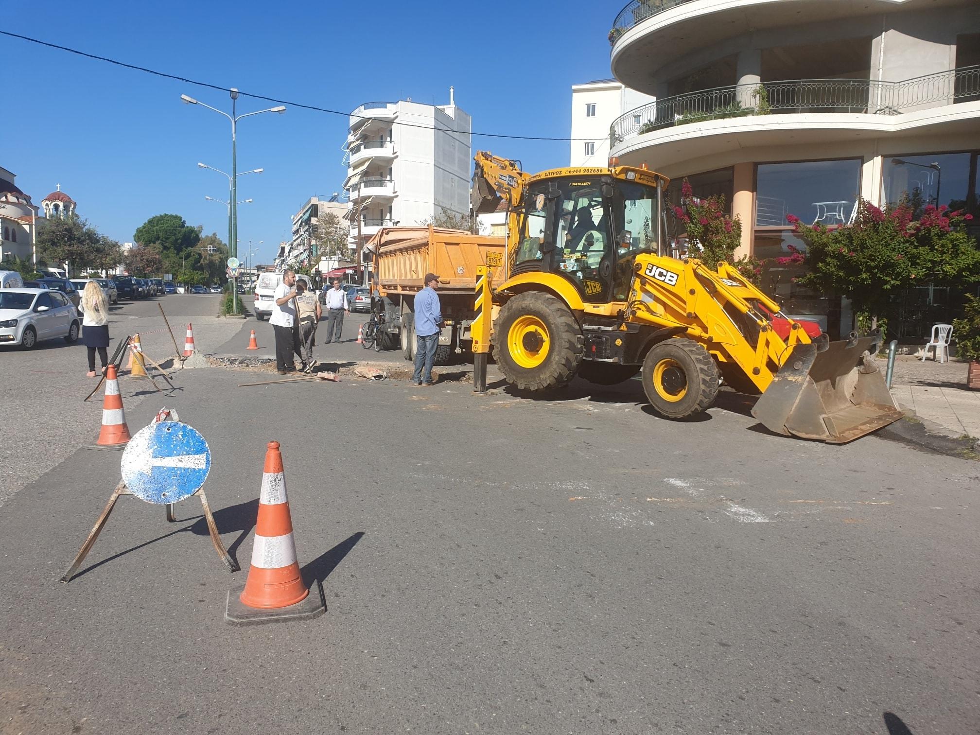 Eργασίες της ΔΕΥΑ Αγρινίου στην οδό Μαβίλη -συνίσταται προσοχή στους οδηγούς