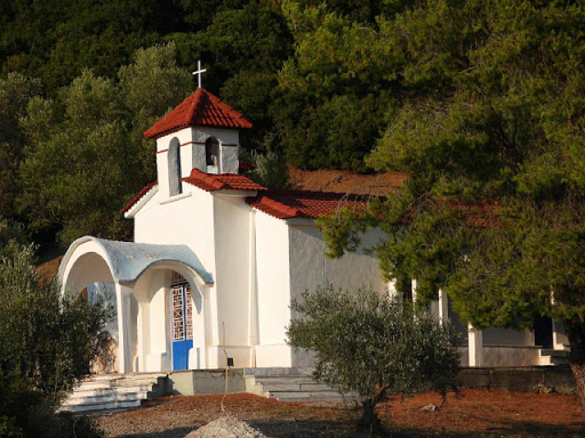 Εορτάζει το ξωκκλήσι του Αγίου Γερασίμου στα Σφυρέικα Αγρινίου