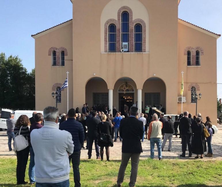 Οδύνη στην κηδεία του 11χρονου Κωνσταντίνου στο Παναιτώλιο