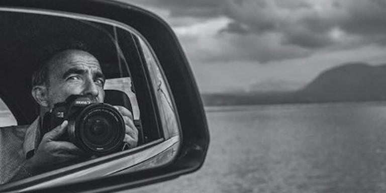 Η έκθεση φωτογραφίας του Νίκου Αλιάγα: «Η Ελλάδα με καθοδηγεί ως έμπνευση»