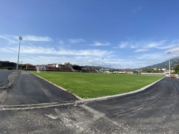 Ευχαριστίες Αυγενάκη σε Φαρμάκη-Τζιτζικώστα για έργα ενεργειακής αναβάθμισης σε αθλητικές υποδομές