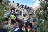 Τουλάχιστον τέσσερις νεκροί και 120 τραυματίες από το σεισμό στη Σμύρνη