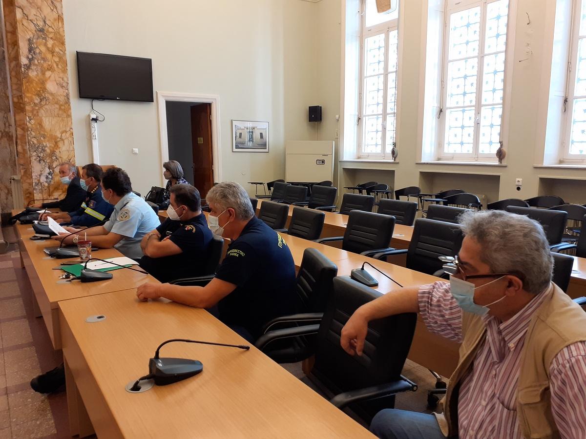 Συνεδριάζει για την αντιμετώπιση χιονοπτώσεων και παγετού το Συντονιστικό του Δήμου Αγρινίου