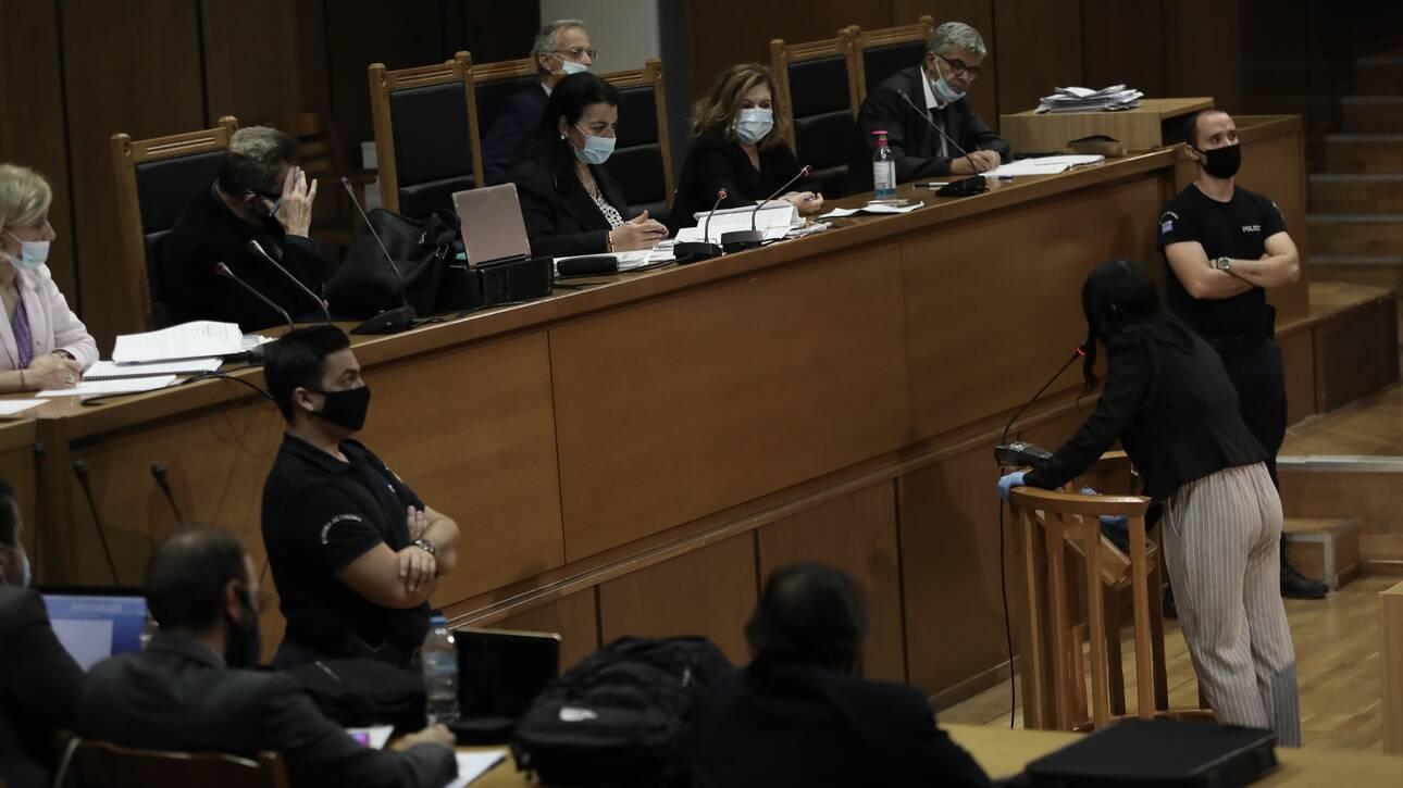 Χρυσή Αυγή: Η πρόεδρος άδειασε την εισαγγελέα, ζήτησε διευκρινίσεις -Διεκόπη η δίκη για αύριο