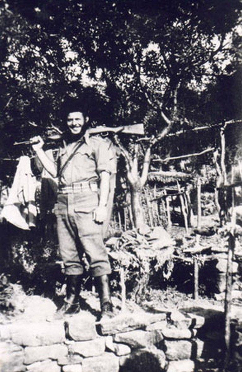 Η μοναδική φωτογραφία ενστόλου Εβραίου αντιστασιακού στην Αιτωλοακαρνανία