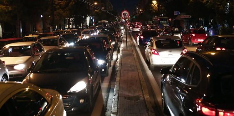 Lockdown: Η μεγάλη έξοδος των Αθηναίων – Η κίνηση ξεπέρασε την παραμονή των Χριστουγέννων – Ρεκόρ διετίας