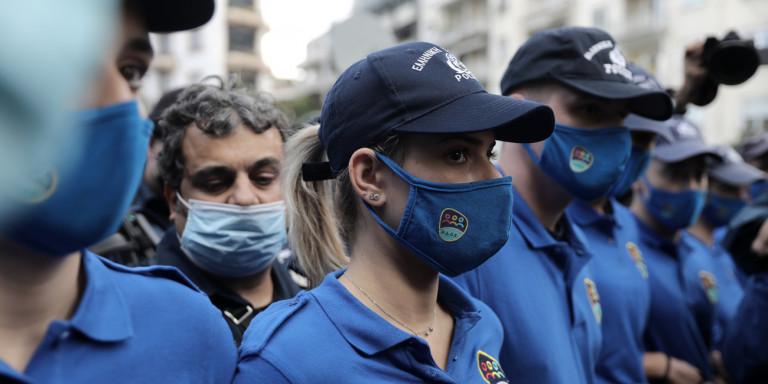 Οι αστυνομικοί με τα γαλάζια μπλουζάκια -Η νέα ομάδα ΟΔΟΣ της ΕΛ.ΑΣ. έκανε πρεμιέρα στο Πολυτεχνείο