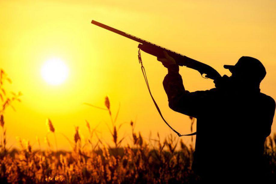 Διαμαρτύρονται οι κυνηγοί του Αγρινίου, τους στηρίζει ο δήμαρχος