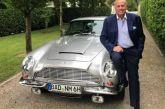 Η ανάρτηση του αντιδημάρχου Αθηναίων που έγινε το απόλυτο viral με Baden Baden και Aston Martin