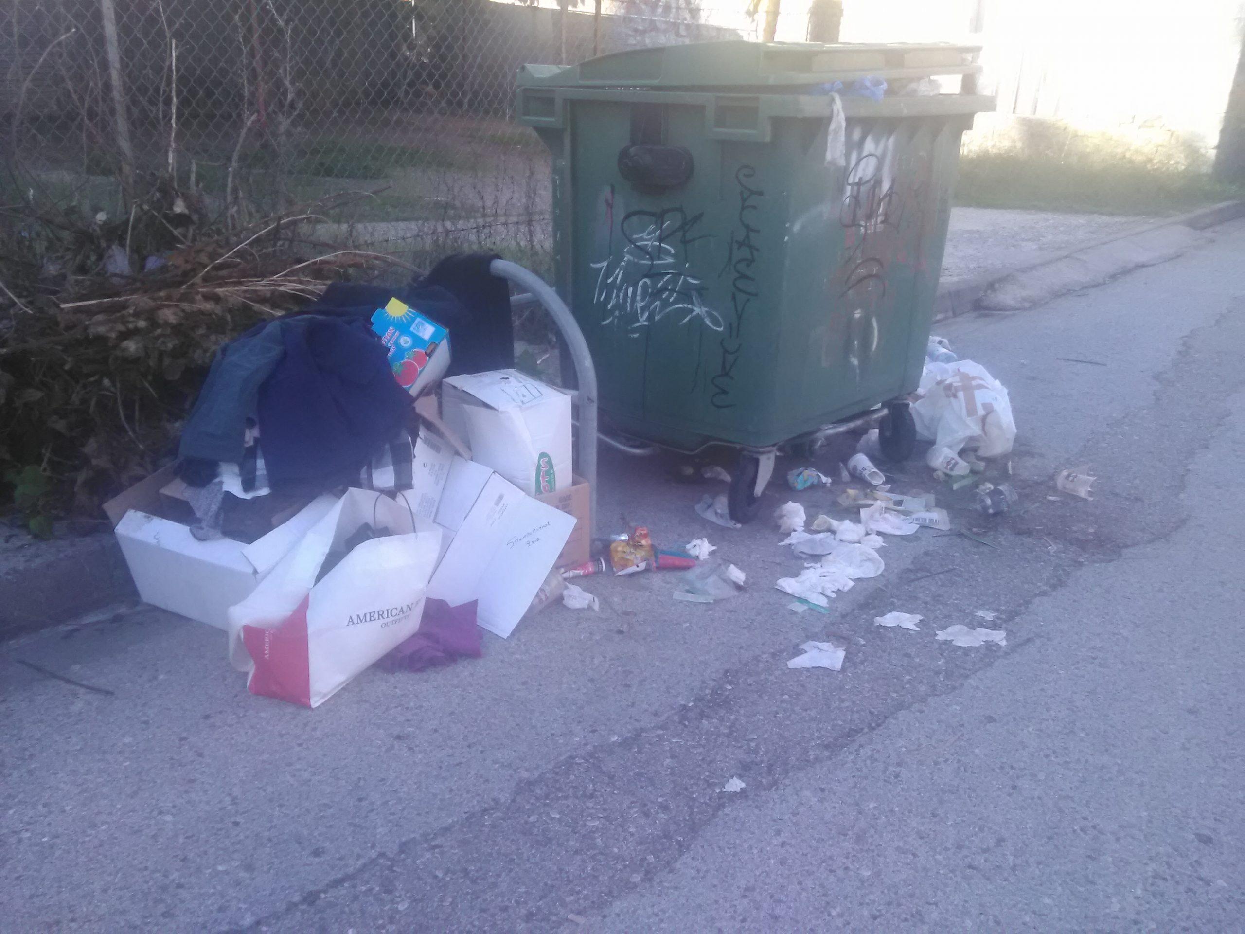 «Είπαμε, υπάρχει πρόβλημα με τα σκουπίδια αλλά… 20 μέρες;»