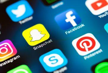 Πρώτη επίπτωση του lockdown: Συστάσεις για λιγότερη χρήση των social media