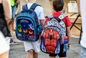 Βατόπουλος: «Προτεραιότητα το άνοιγμα των σχολείων»