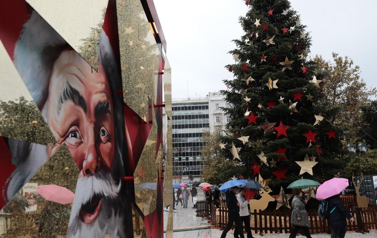 Διαφορετικά τα φετινά Χριστούγεννα: Μάσκες, sms και ψώνια με «click away»