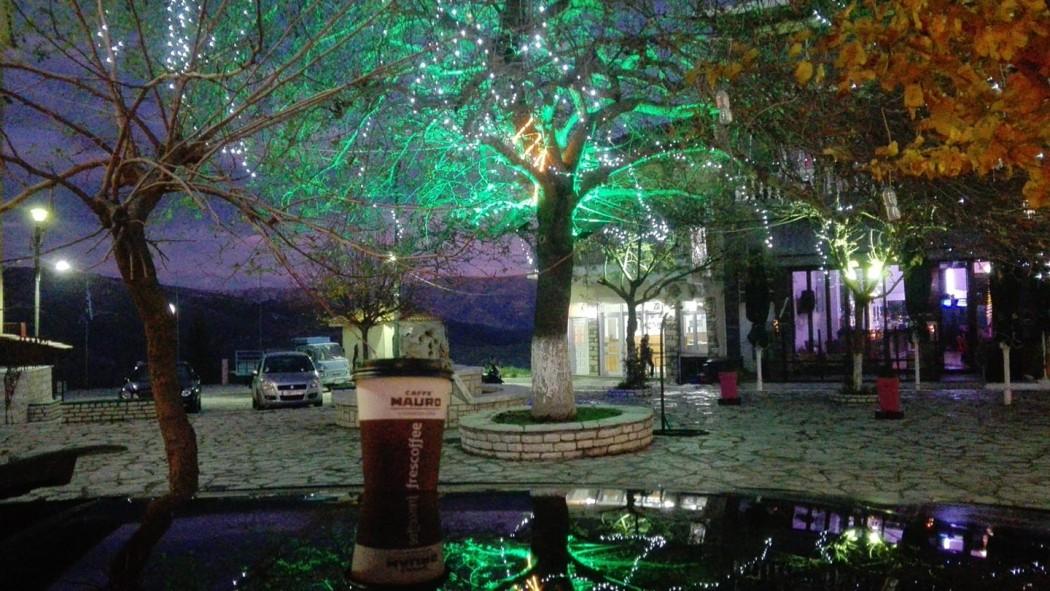 Οι χριστουγεννιάτικες γιορτές φέτος ακυρώνονται αλλά ο δήμος Ακτίου- Βόνιτσας «φόρεσε» τα γιορτινά του