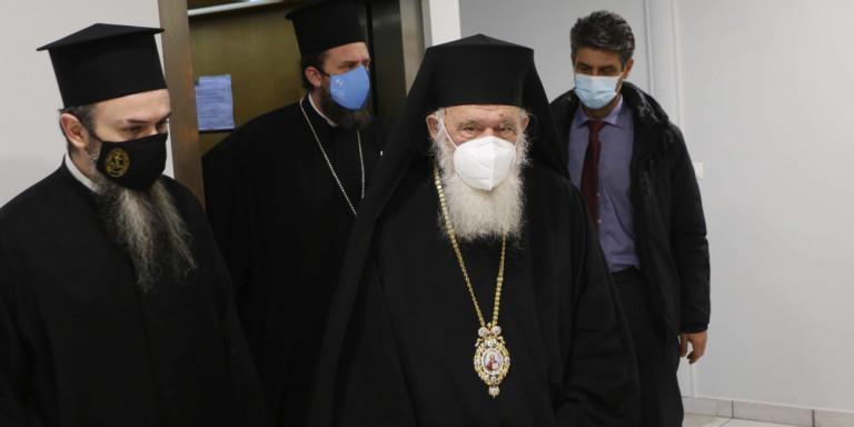 Ιερά Σύνοδος: Συναινεί με τα μέτρα της κυβέρνησης για τις εκκλησίες -«Προτεραιότητα έχει η ανθρώπινη ζωή»