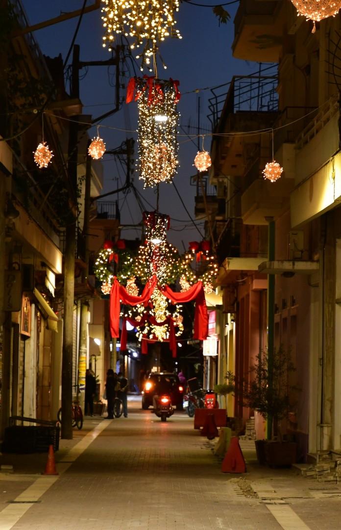 Τι απαντά ο δήμος Μεσολογγίου στην κριτική για τις δαπάνες του χριστουγεννιάτικου διάκοσμου