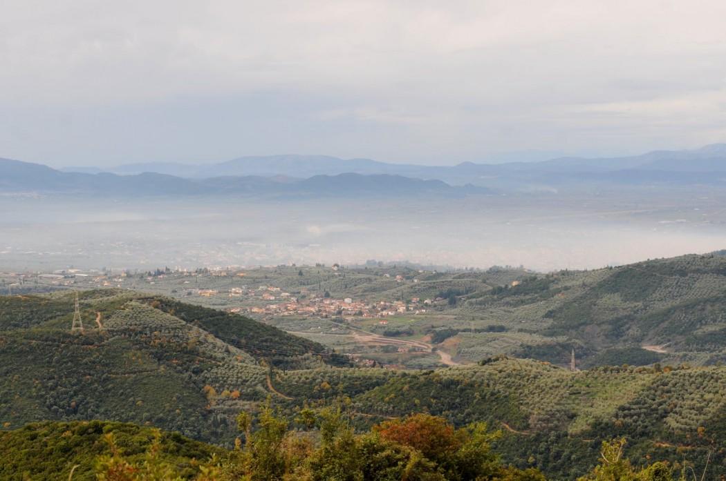Αγναντεύοντας το Αγρίνιο και την… αιθαλομίχλη από το Βλοχό