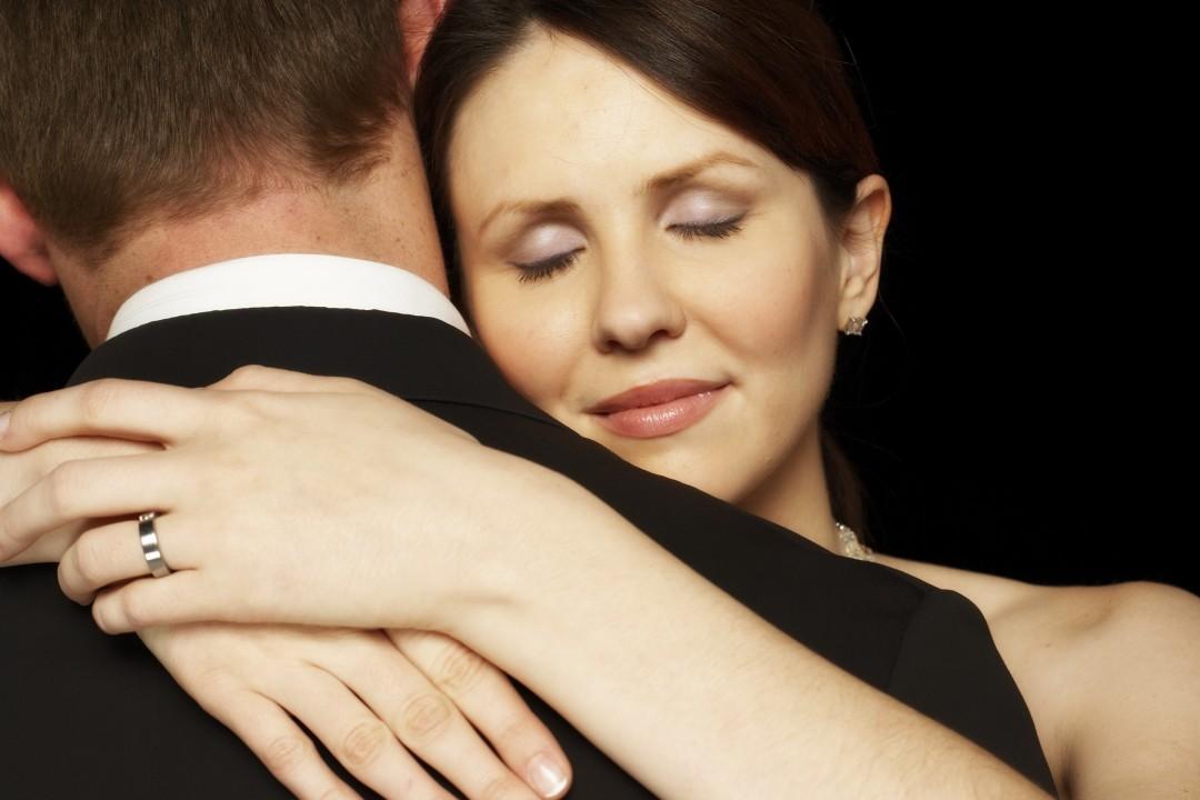 Είμαστε σε ελεύθερη σχέση – Πώς να τον κάνω να με ερωτευτεί και να θέλει σχέση;