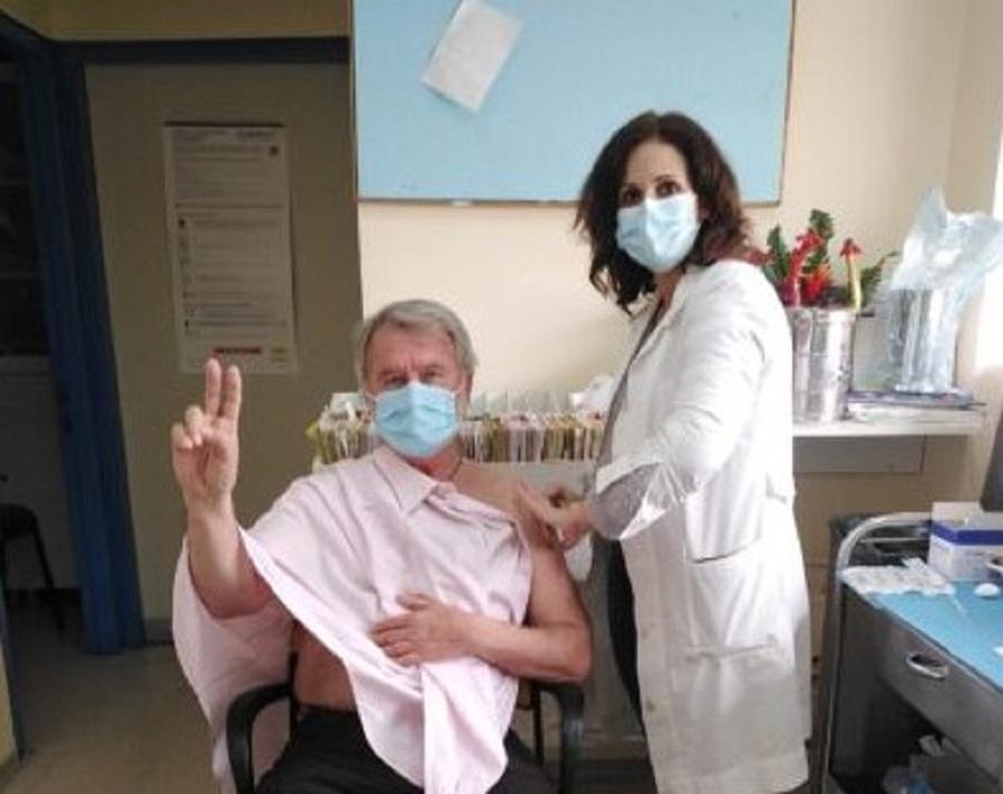 Ολοκληρώνεται ο εμβολιασμός των εργαζομένων στο Νοσοκομείο Μεσολογγίου – Εμβολιάστηκαν οι δήμαρχοι Μεσολογγίου και Ξηρομέρου