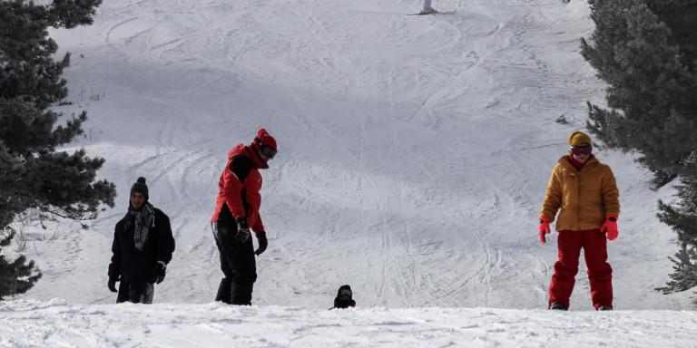 Πιθανό να αρθεί η απαγόρευση μετακίνησης από νομό σε νομό -Εξετάζεται άνοιγμα χιονοδρομικών
