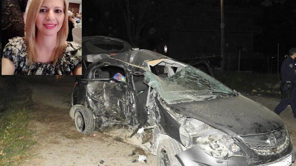 Συγκλονίζουν οι εικόνες από το θανατηφόρο τροχαίο στην Κρήτη: Νεκρή 38χρονη αστυνομικός και η δίχρονη κόρη της