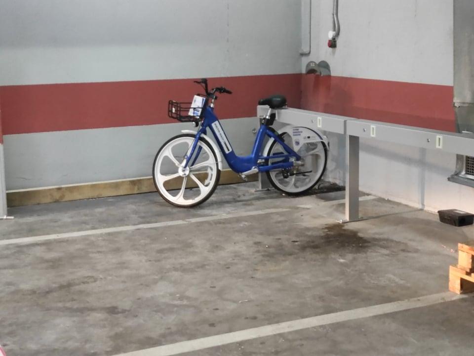 Αγρίνιο: στο δημοτικό πάρκινγκ τα πρώτα ηλεκτρικά ποδήλατα