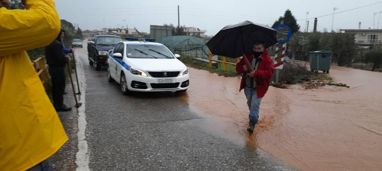 Κακοκαιρία- Καινούργιο: έκλεισε ο δρόμος στις στροφές (φωτο-βίντεο)
