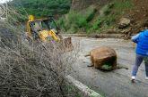 Πτώση βράχων στο Μακρυνόρος – Κατολισθήσεις και πτώση δέντρων στον Ορεινό Βάλτο