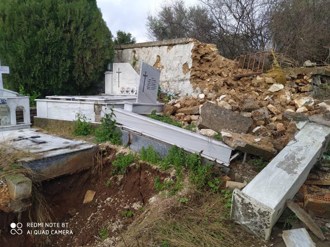 Επικοινωνία Βαρεμένου με δήμαρχο για την άθλια κατάσταση στο παλαιό νεκροταφείο Κατούνας