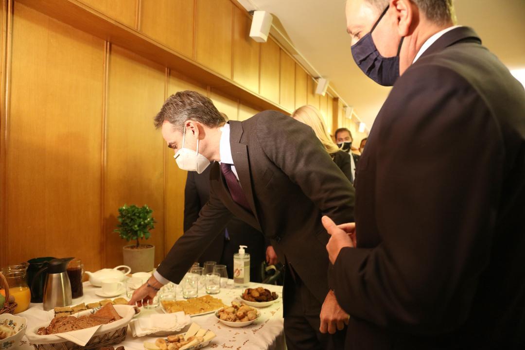 Γεύση από Αιτωλοακαρνανία στην επίσκεψη  Μητσοτάκη στο ΥπΑΑΤ