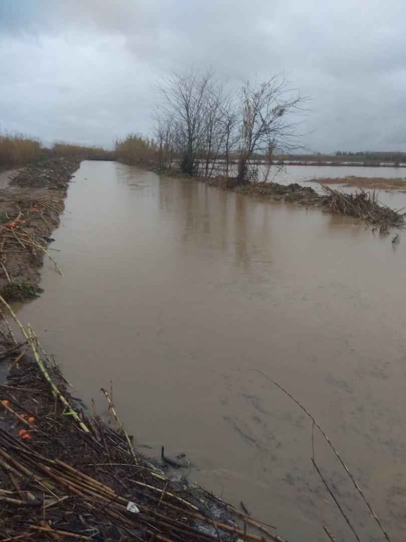 Μεγάλη Χώρα Αγρινίου: πλημμύρισαν χωράφια και θερμοκήπια (φωτό)