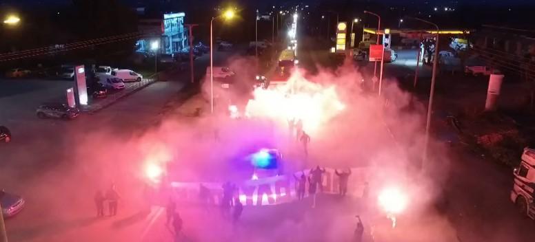 Αγρίνιο: Είχαν και drone οι οπαδοί του Ολυμπιακού που έκλεισαν την εθνική οδό στην υποδοχή (βίντεο)