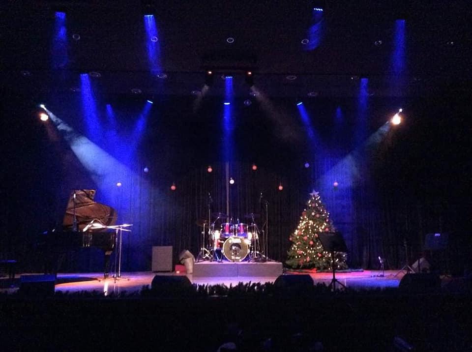 Δείτε live την τελευταία εορταστική συναυλία της ΓΕΑ