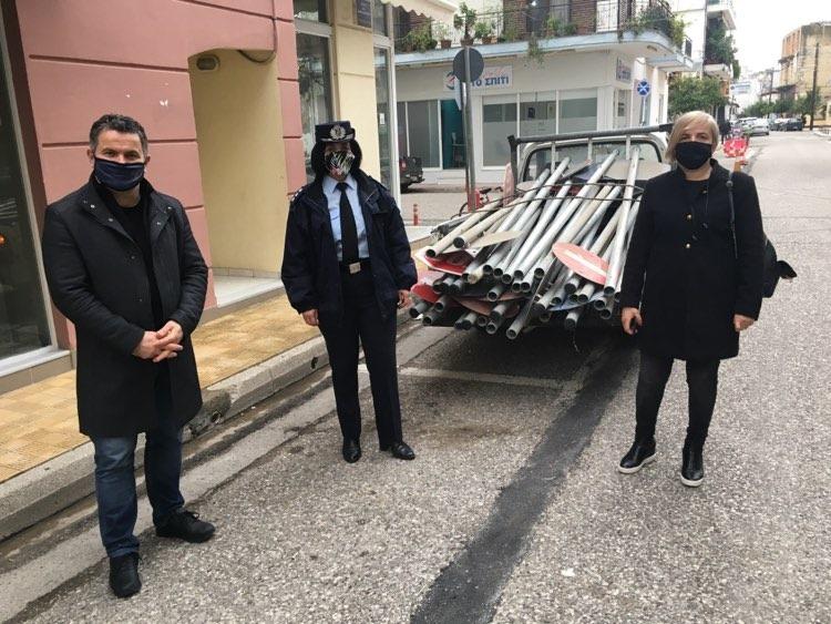 Μεσολόγγι: Δωρεά 80 νέων πινακίδων σήμανσης Κ.Ο.Κ. από την Διεύθυνση Αστυνομίας Αιτωλίας και την Τροχαία