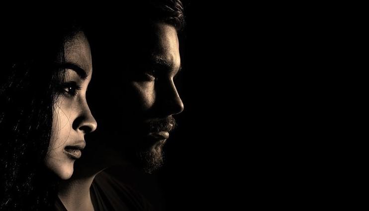Ασκητής: «Το σεξ στην πανδημία μειώθηκε κατά 40% – Πενταπλασιάστηκε η χρήση ηρεμιστικών»