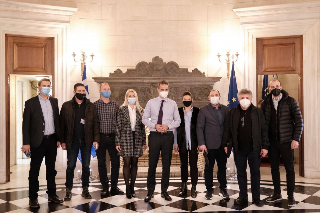 Όσα ειπώθηκαν στη συνάντηση Μητσοτάκη με επαγγελματίες της εστίασης- Τα 4 μέτρα που ανακοίνωσε