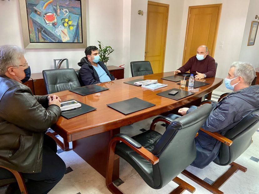 Με την Ομοσπονδία Επαγγελματικών, Βιοτεχνικών και Εμπορικών Σωματείων συναντήθηκε ο Δήμαρχος Ναυπακτίας
