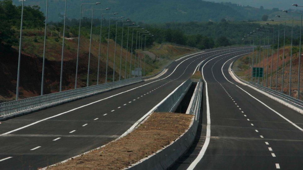 Καραμανλής: Εξορθολογήσαμε τα διόδια της Ιονίας οδού