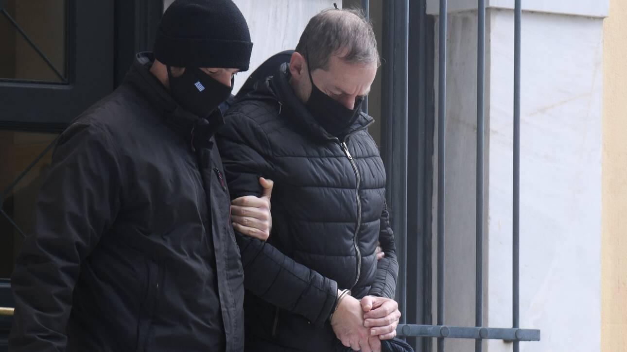 Υπόθεση Λιγνάδη: «Εγκληματική ροπή επί πολλά έτη» – «Καταπέλτης» το ένταλμα σύλληψης