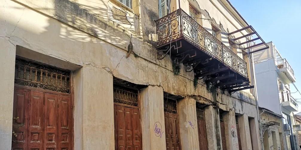 Nαύπακτος: Kλειστή επ' αόριστον η οδός Νεοφ. Μαυρομάτη λόγω επικινδυνότητας κτηρίων