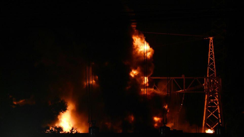 Έκρηξη στον Ασπρόπυργο: Βραχυκύκλωμα η αιτία – Πάνω από 1 εκατ. κάτοικοι έμειναν χωρίς ρεύμα